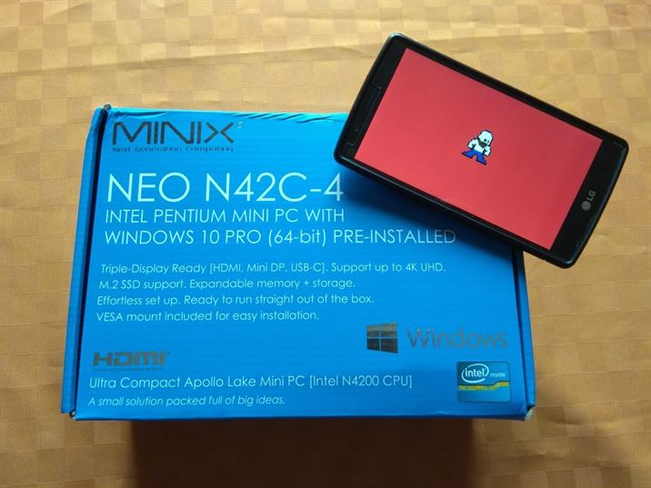 MINIX NEO N42C-4 - un mini PC con Windows 10 e memoria